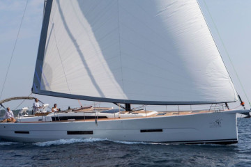 Dufour Exclusive 56 Nikto- fully equipped, gray hull
