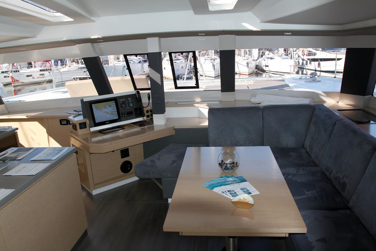 Fountaine Pajot Saba 50, Sunshine Reggae with AC and generator