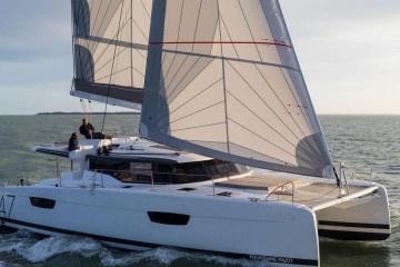 Fountaine Pajot Saona 47 (Quintet) DESAFINADO with AC and generator
